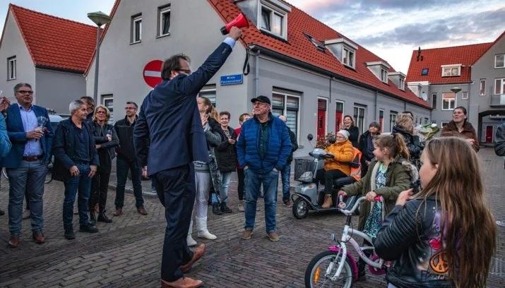 Bewoners Sint Aagtendorp vieren afronding renovatie